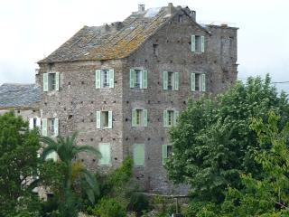Gite dans maison de maître en Corse, avec vue mer