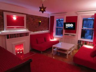 #1of4: Win a FREE Night! 12min to Manh; Sleeps8-10, New York City