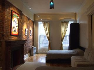 #2of4: Win a FREE Night! 12min to Manh; Sleeps8-10, New York City
