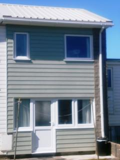 Nearby beach, 2 bedroom self catering holiday home