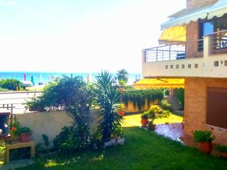 Seafront Family Luxurious House in Halkidiki, Gerakini
