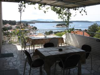Apartment LENA for 6 persons: 3 bedrooms, 2 bath.,terrace, sea view, near center, Hvar