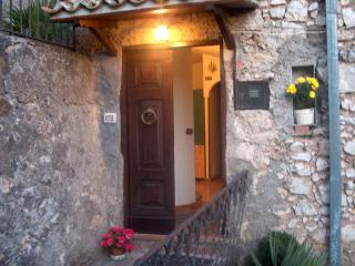 MICHELE'S LITTLE HOUSE, Serrone