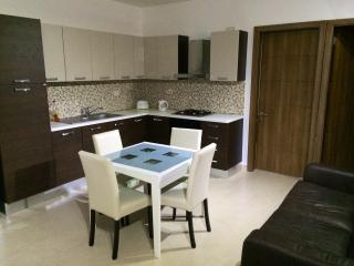 St'Julians (Paceville) 2 bedroom apartment (A), San Giuliano