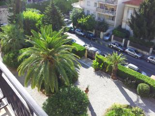 Central Nice appartement ensoleille