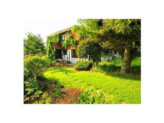 Burwash Cottage - Property with beautiful gardens, Etchingham