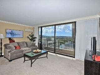 1-Bedroom Suite in the heart of Waikiki!, Honolulu