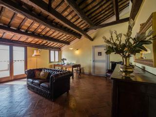Casa Giulia: Luxury Apt with terrace in Town, Cortona