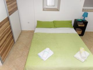 Apartment Pula with garden/parking, Muntic