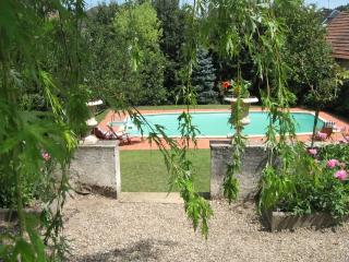 Maison familiale de caractere, avec piscine