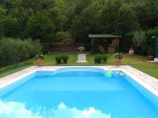 Villa Il Seccatoio: a cozy stone House in Cortona