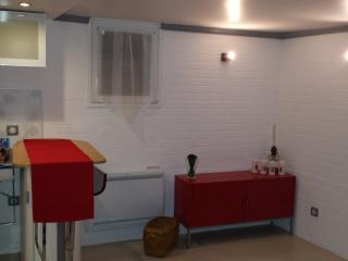 For 2 guests, 4mn métro/RER et Château Historique, Vincennes