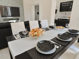 Luxury apartment 3BD 4 BT near Vatican City, Roma
