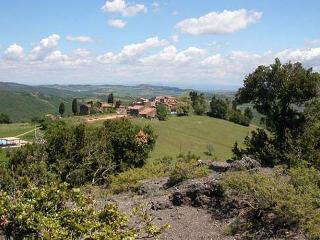 Tuscany apartment in beatiful landscape