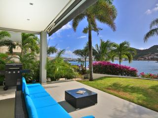 2 Bedroom 2 Bathroom Lagoon Condo - Private Marina, Cole Bay