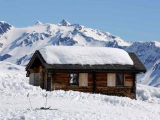 Chalet at 2200m Chuestall Huettli
