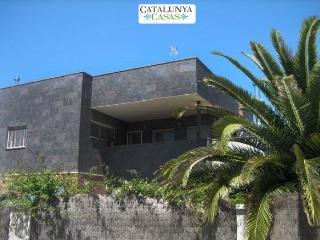 Five-bedroom villa in Can Vinyals, nestled in the hills between Barcelona and Girona, Sentmenat