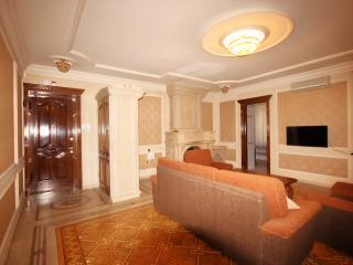 classic 2 rooms on Sayat-Nova av., Ereván