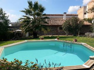 Majestic 5-bedroom villa for 7-14 people only 20 minutes from Barcelona!, L'Ametlla del Valles