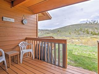4BR Grand Lake Condo w/ Deck & Spectacular Mountain Views!