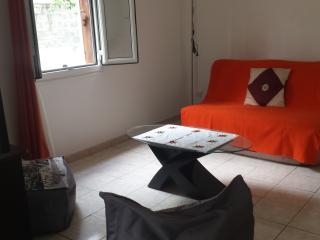 Seasonal rental T2, Saint-Gilles-Les-Bains
