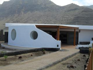 Bungalow ADELAIDITA in Famara for 2p