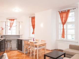 Modern apartment for 4 by Charles Bridge, Prague