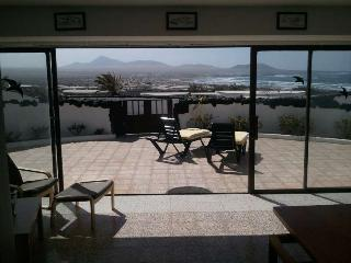 Bungalow KURANINE in Famara for 5p