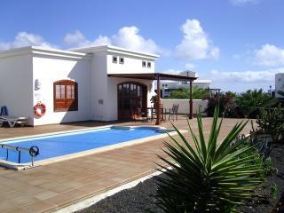 Villa ASINT in Playa Blanca for 8p
