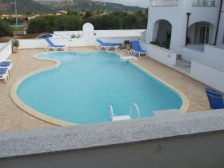 appartamento con piscina, Murta Maria