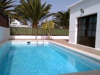 Villa CONDESAL in Puerto del Carmen for 4p