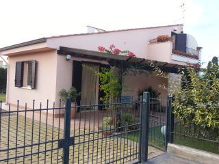 Villa in residence, Campofelice di Roccella