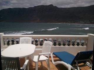 Villa MADEIRA for 5p in Famara
