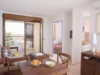 appartement T2  meublé Piscine, Uzes