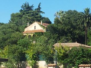 Le calme dans une maison centenaire près de Cannes, Le Cannet