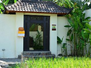 Villa Romantica -set in romantic rice fields -Ubud