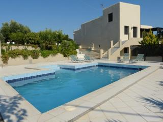 SUPERB FAMILY 4**** VILLA KNOSSOS HERAKLION CRETE