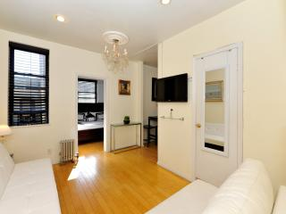 Cozy 2 bedroom in the heart of Chelsea, New York City