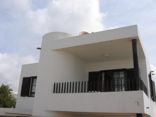 Villa TIRASU in Puerto del Carmen for 6p, Puerto Del Carmen