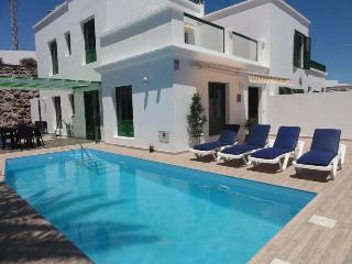 Villa WILALIX in Puerto del Carmen for 6p