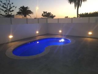Villa WULIWA in Puerto del Carmen for 8 persons