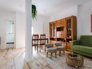 Elegant, cozy, a gem in Chiado, Lisbona