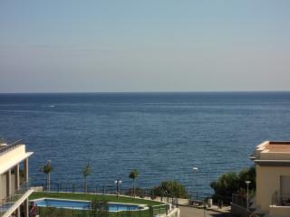 Ático con piscina y terraza. Vistas sobre el mar, Llanca