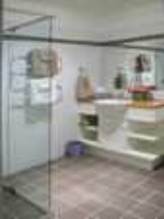 Bedroom ensuite bathroom