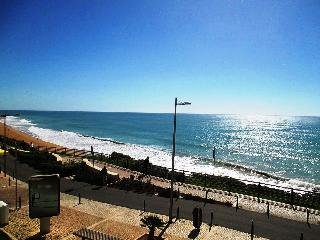 T2 Sea View,2 Beds Apart,100m beach and sea view, Albufeira