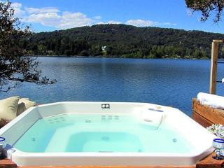 Incredible Lake house 5 bedroom jacuzzi, San Carlos de Bariloche