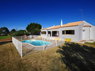 V3 Figos - 3 Bedrooms Villa with Swimming Pool, Alcantarilha