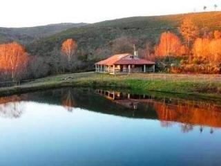 V5 Lago, 5 Bedrooms Villa w/ pool and lake view, Montalegre