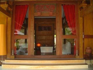 Unique bali maison asiatique authentique +bungalow, Legian