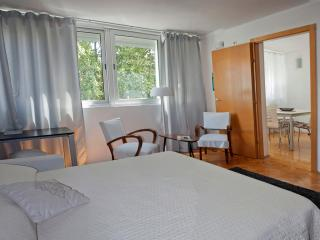 Ideally placed for holiday in town, Split
